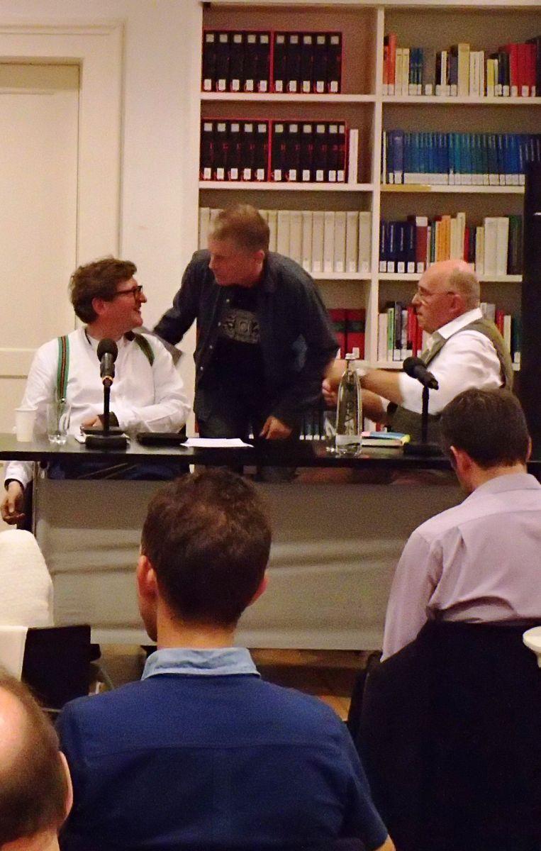Anton G. Leitner im Gespräch mit seinen Übersetzern Richard Dove und Bill Soutter