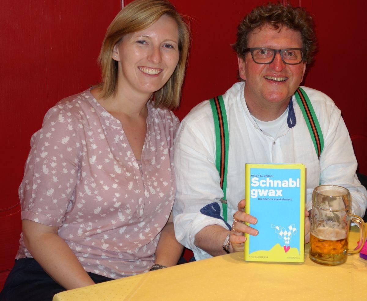 Anton G. Leitner mit seiner Co-Verlegerin Kristina Pöschl vom lichtung verlag