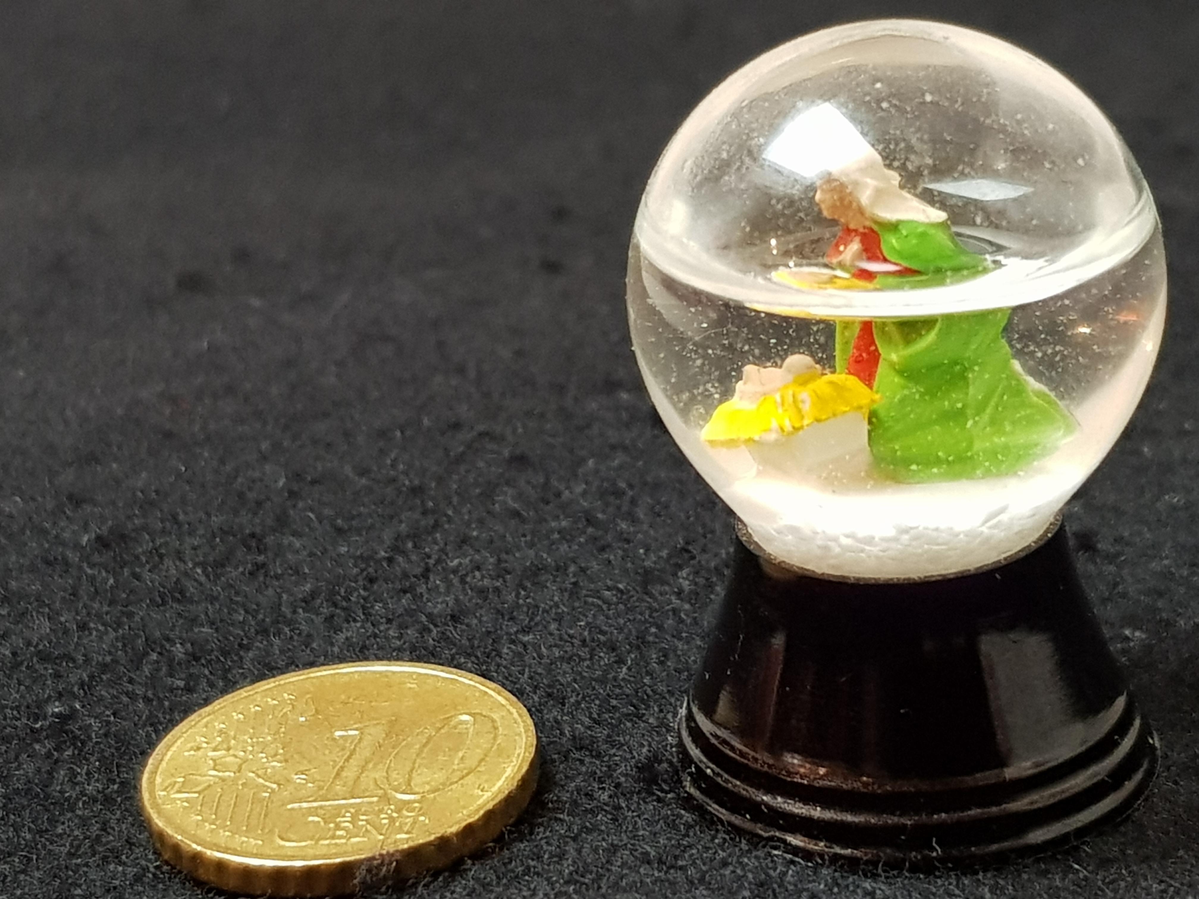Miniatur-Schneekugel